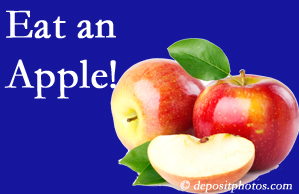 Richmond chiropractic care encourages healthy diets full of fruits and veggies, so enjoy an apple the apple season!